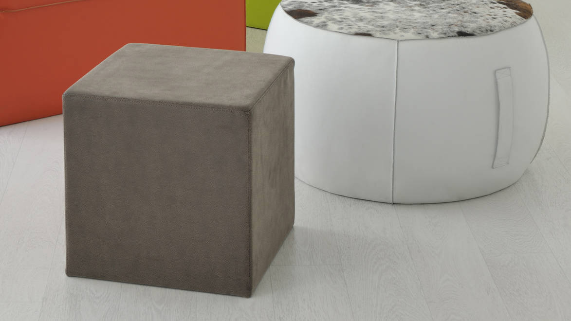 Pouf_-_q_design_by_airlab_airnova_design_photo_domenico_fornasier_%c2%a9_airnova_00001